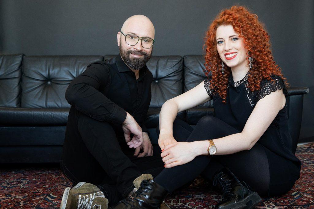 Sebastian Kulas und Eileen Karr